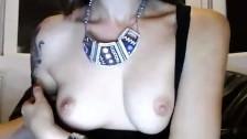 Sexy troietta si riprende con la sua nuova webcam